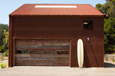Industrial Shed by CCS ARCHITECTURE