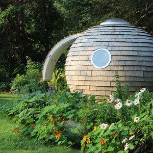 Diseño de estudio en el jardín independiente, ecléctico, de tamaño medio
