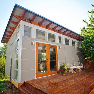 Example of a trendy detached studio / workshop shed design in Denver