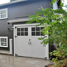 Traditional Garage And Shed by 12th Ave Homes, LLC