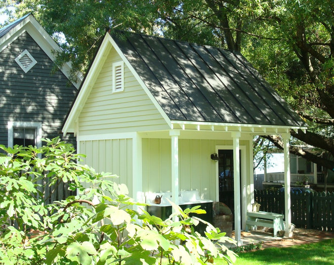 Traditional Garage And Shed by Beaman Building and Realty, Inc.