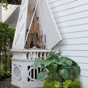 This is an example of a traditional attached garden shed in Detroit.
