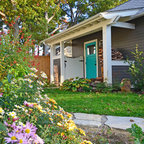 Bungalow With New Screen Porch Amp Carriage House