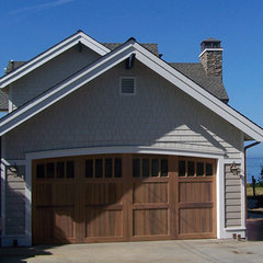 traditional garage and shed by Darrough Construction, Inc.