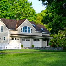 Traditional Garage And Shed by Sapia Builders Corp.