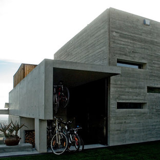 Inspiration for a mid-sized industrial attached shed and granny flat in Barcelona.