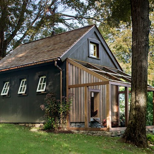Photo of a mid-sized country detached barn in New York.