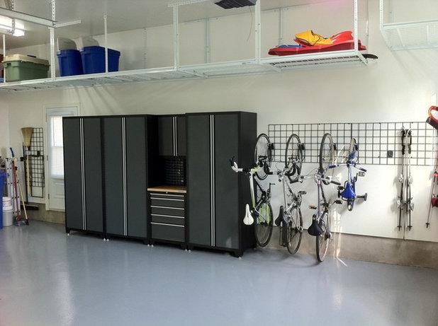 コンテンポラリー 物置・庭小屋 Contemporary Garage And Shed