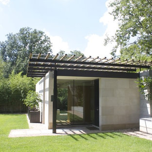 Photo of a contemporary office/studio/workshop in Other.