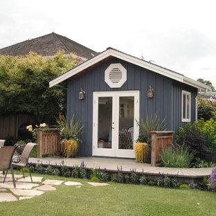 Idées déco pour un abri de jardin classique avec un abri de jardin.