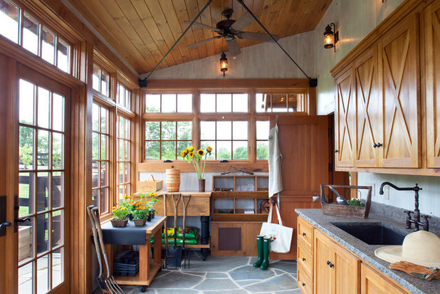 Traditional Shed by Rill Architects