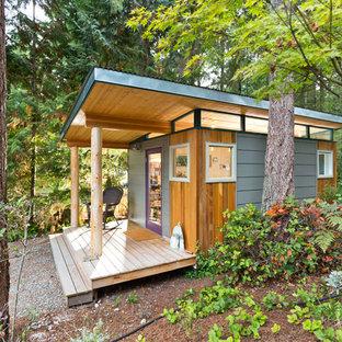 Esempio di piccoli garage e rimesse indipendenti minimalisti con ufficio, studio o laboratorio