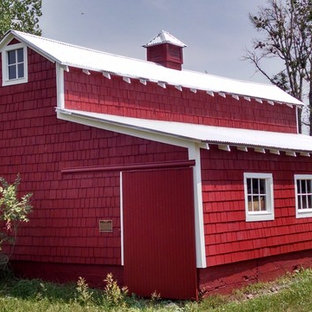 Photo of a mid-sized country detached barn in Denver.