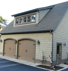 traditional garage and shed by Kitsap Kitchen & Bath Co.