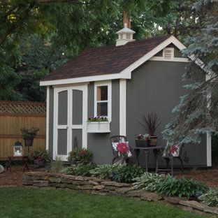 Photo of a mid-sized traditional detached garden shed in Minneapolis.