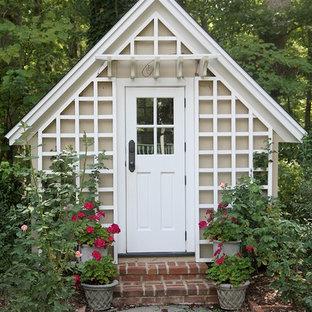 Foto di un capanno da giardino o per gli attrezzi indipendente vittoriano