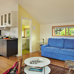 Photo of a small transitional detached granny flat in Seattle.