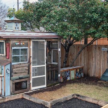 Dallas, TX: Greenman / Curvan Chicken Coop