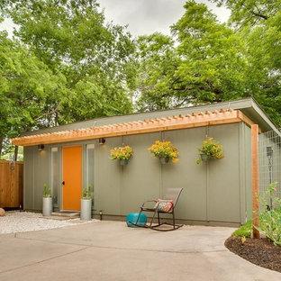 Aménagement d'un abri de jardin rétro.