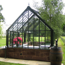 Traditional Greenhouses by Hartley Botanic Inc.