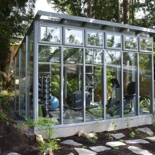 Estate Greenhouses and Garden Rooms