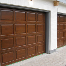 Traditional Garage And Shed by Ragsdale, Inc.