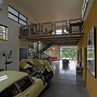 Inredning av en industriell garage och förråd