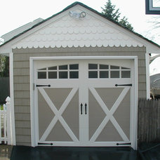 Traditional Garage And Shed by Dave Kennedy