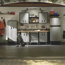 Traditional Garage And Shed by 1st Choice Garage Outfitters Inc.