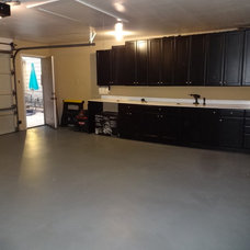 Traditional Garage And Shed by Painting Services By Steve