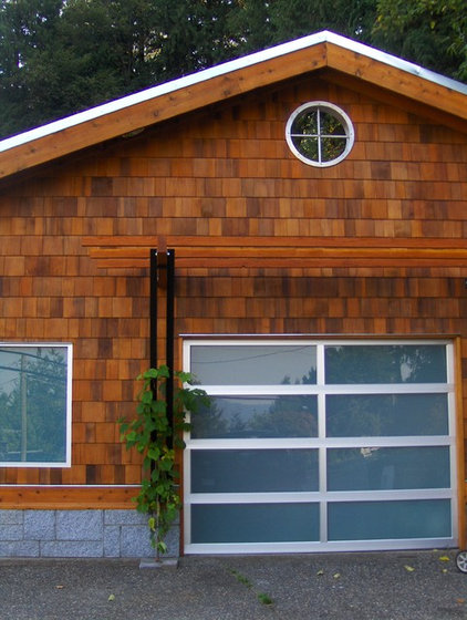 Contemporary Garage And Shed by Bear Creek Special Projects (BCprojects.ca)