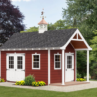Example of a mid-sized cottage detached garden shed design in Philadelphia