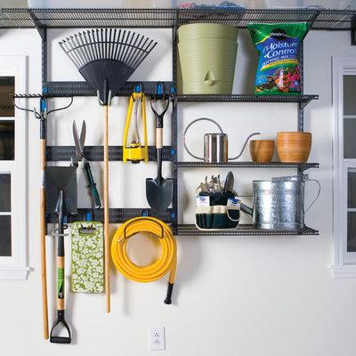 Modern Gartenhaus by Organized Living