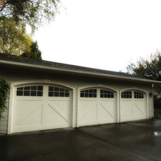 Traditional Garage And Shed by John Prindle