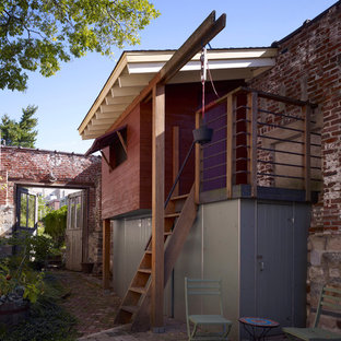 Example of a trendy detached garden shed design in Philadelphia