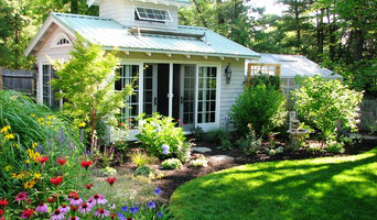 Garden Room with Spa and Greenhouse