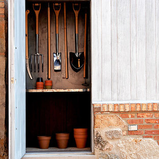 Inspiration for a rustic garden shed remodel in Chicago