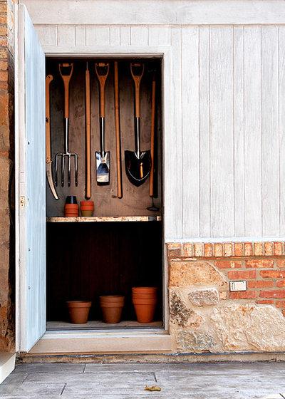 ラスティック 物置・庭小屋 by Mark Hickman Homes