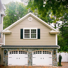 Traditional Garage And Shed by John Linam Jr, Architect, PLLC