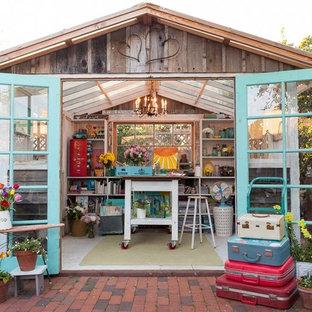 Ejemplo de estudio en el jardín independiente, ecléctico, de tamaño medio