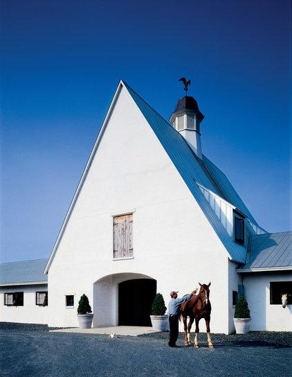 Farmhouse Garage And Shed by Ike Kligerman Barkley