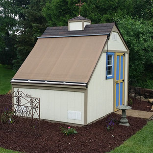 Mid-sized trendy detached garden shed photo in Detroit