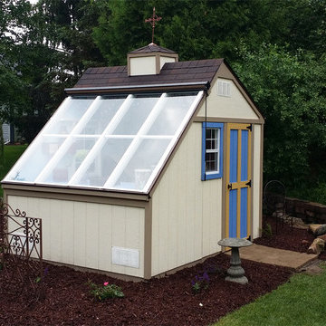 Greenhouse Shed / Solar Building