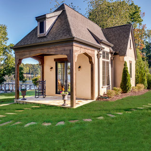 Guesthouse - traditional guesthouse idea in Charlotte