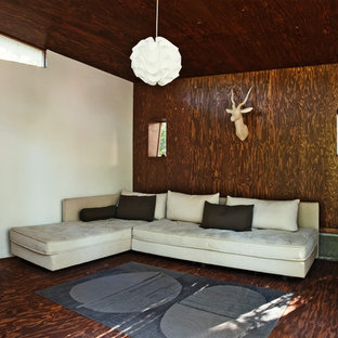Photo of a midcentury guesthouse in Los Angeles.