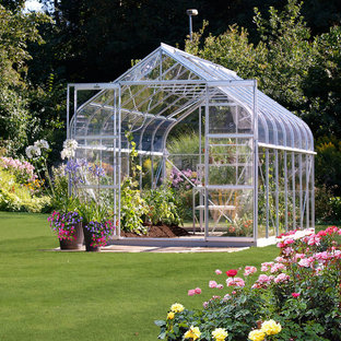 Inspiration for a traditional detached greenhouse in Seattle.
