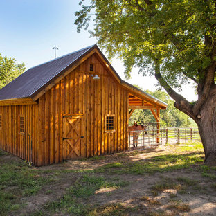 Farmhouse barn photo in Other