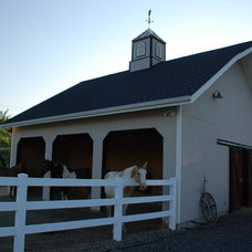 Traditional Garage And Shed by Design Services Northwest Inc.