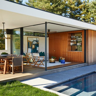Inspiration for a midcentury detached granny flat in New York.
