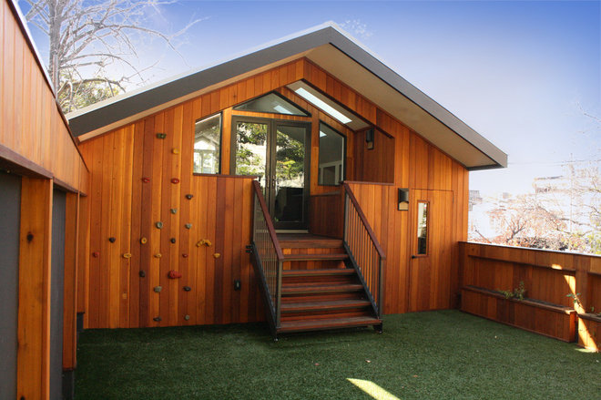 Modern Garage And Shed by Cunningham Welsh Architects LLC